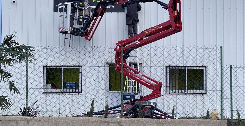 Installation de nos panneaux sur le bâtiment